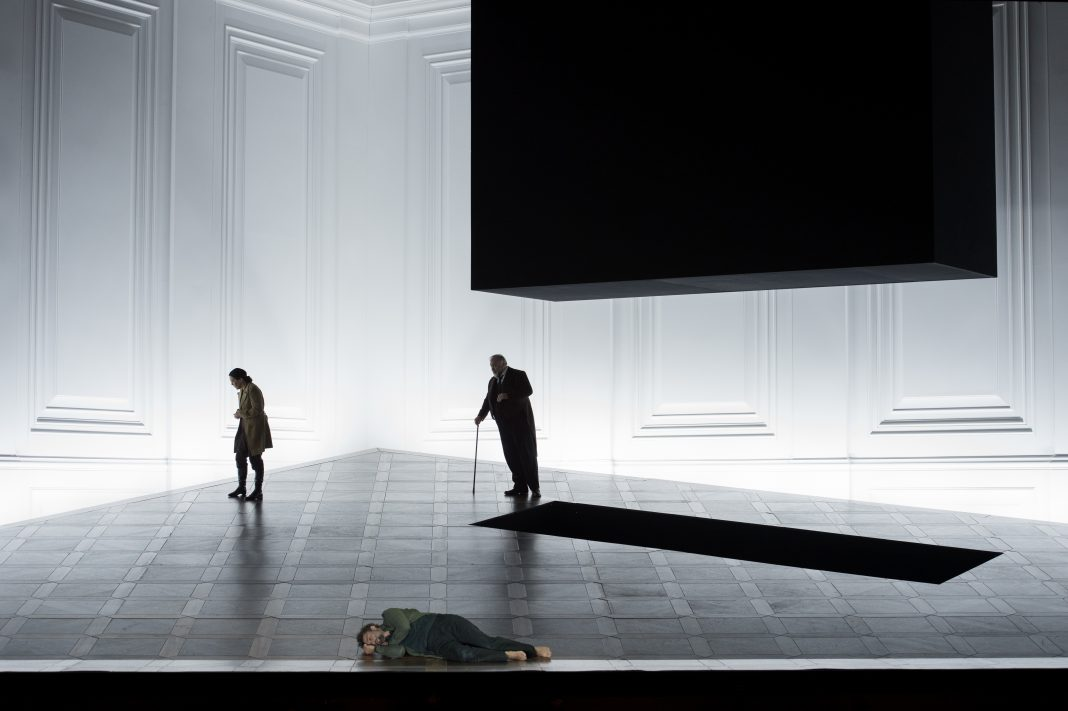Photo M. Rittershaus | C. Guth, Fidelio (L.v. Beethoven) | Sets and Costumes: C. Schmidt | Salzburger Festspiele 2015