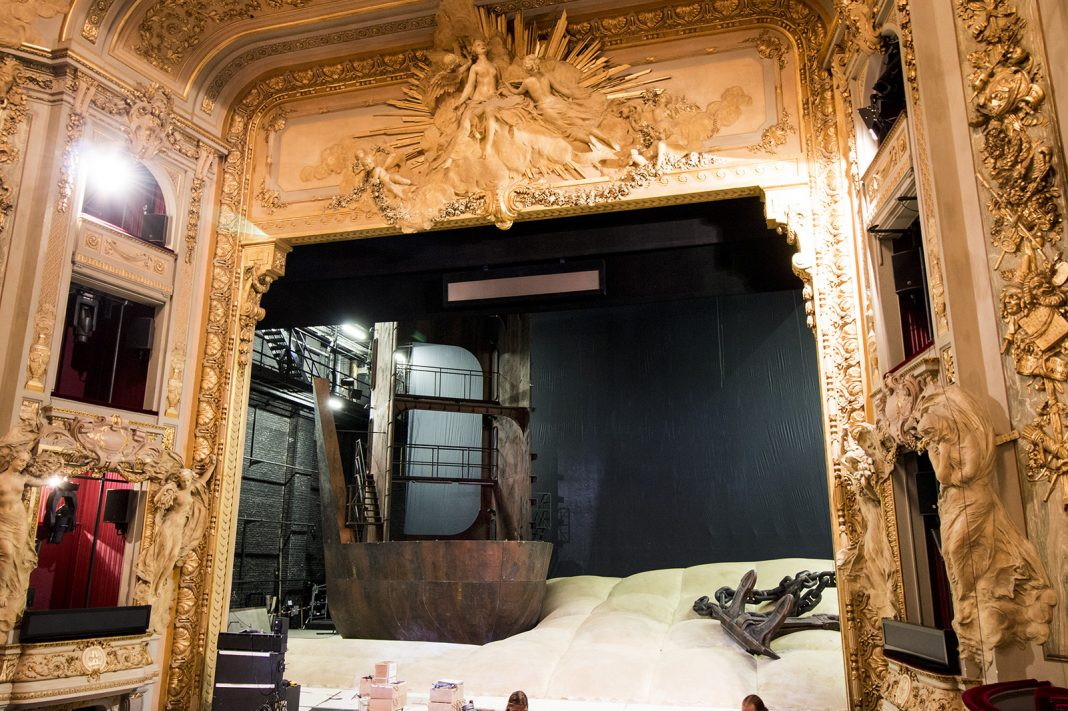 Alfons Flores, Der fliegende Holländer | The set under construction at the Lille Opera | Photo courtesy of Jb Peter Cagny