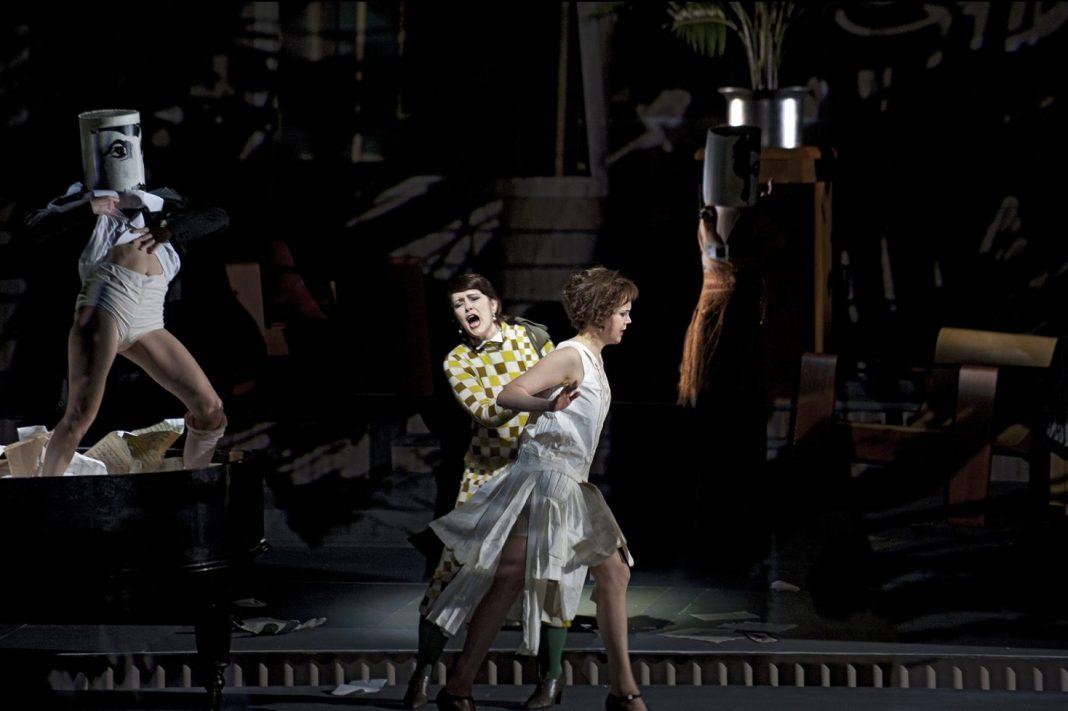 Sabine Theunissen, Lulu | Staging William Kentridge | Photo Clärchen & Matthias Baus, courtesy of The Dutch National Opera