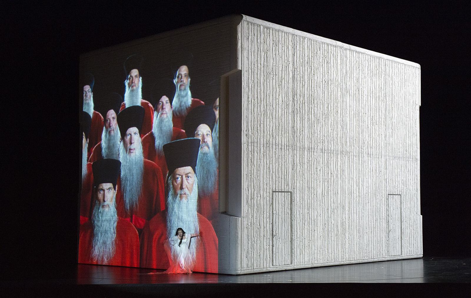 Set design Christian Schmidt Aida directed by Shirin Neshat Magazine view