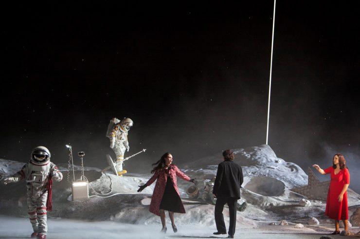 Etienne Pluss, La Bohème | Directed by C. Guth | Photo © Bernd Uhlig / OnP