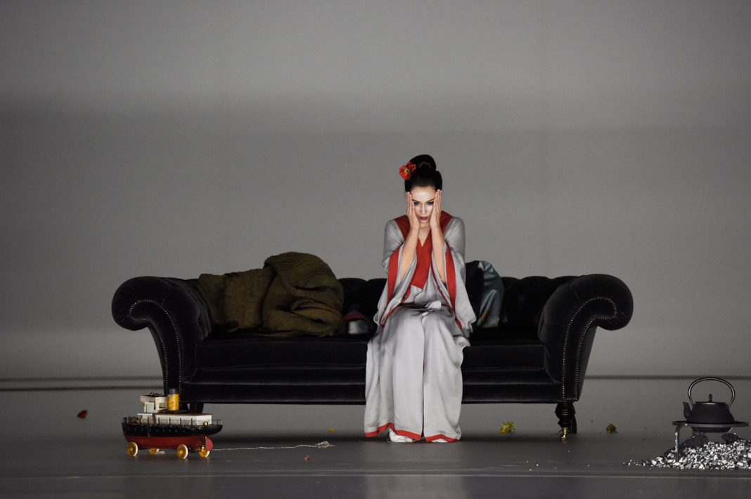 Michael Levine, Madama Butterfly | Staged by Ted Huffman | Photo © T+T Fotografie / Toni Suter