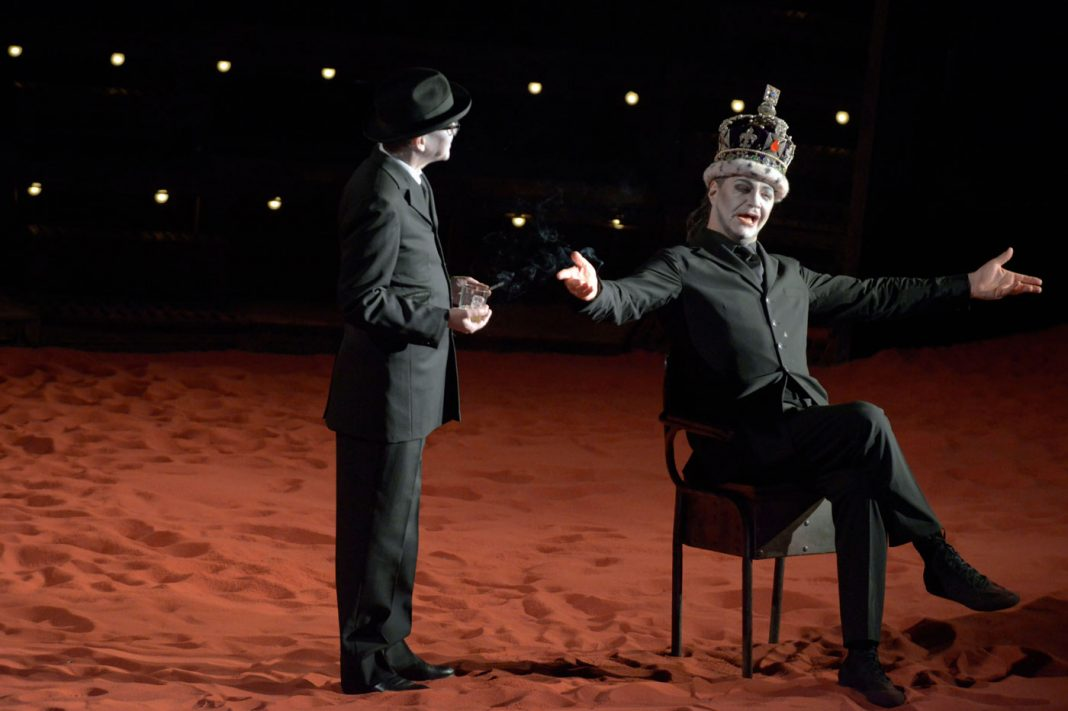 Radu Boruzescu, Richard III | Staged by R. Carsen | Photo © Michele Crosera