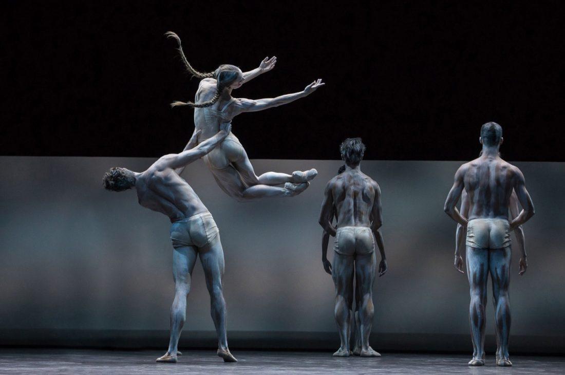 Gregory Batardon, stage photo of Le Sacre du Printemps, choreography by Edward Clug at Ballet Zürich set design magazine
