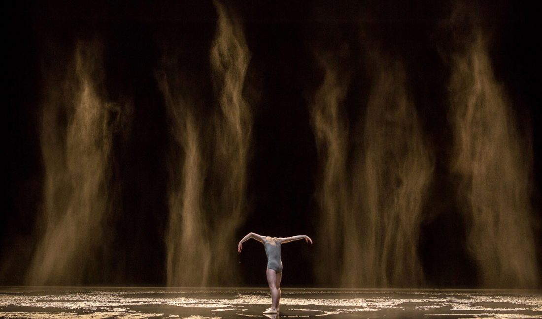 Gregory Batardon, stage photo of Speak for Yourself, choreography by Sol León & Paul Lightfoot, at Ballet Zürich set design magazine