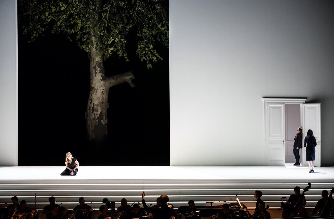 Leiacker-Loy-Cosi-Fan-Tutte-Monika-Rittershaus-Salzburger-Festspiele-2020-00115