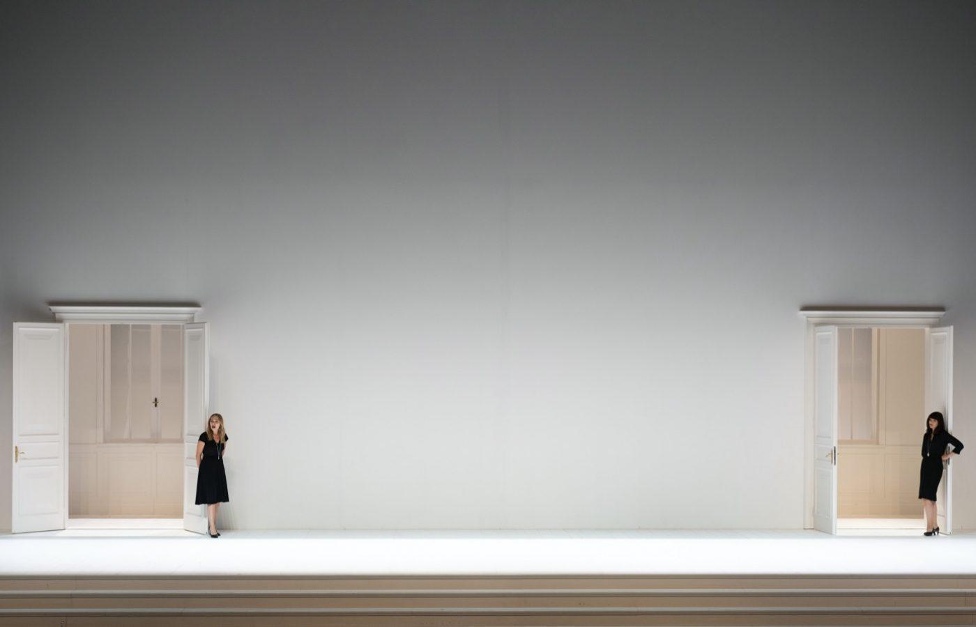 Leiacker-Loy-Cosi-Fan-Tutte-Monika-Rittershaus-Salzburger-Festspiele-2020-00116