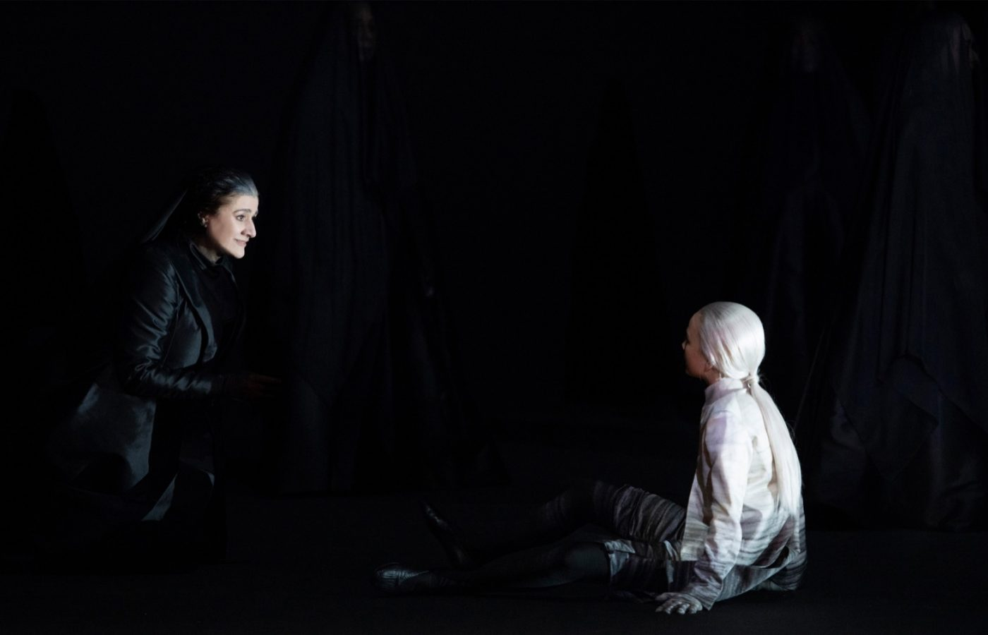 Michael Levine, Iphigénie en Tauride. Dir. Andreas Homoki. Photo © Monika Rittershaus