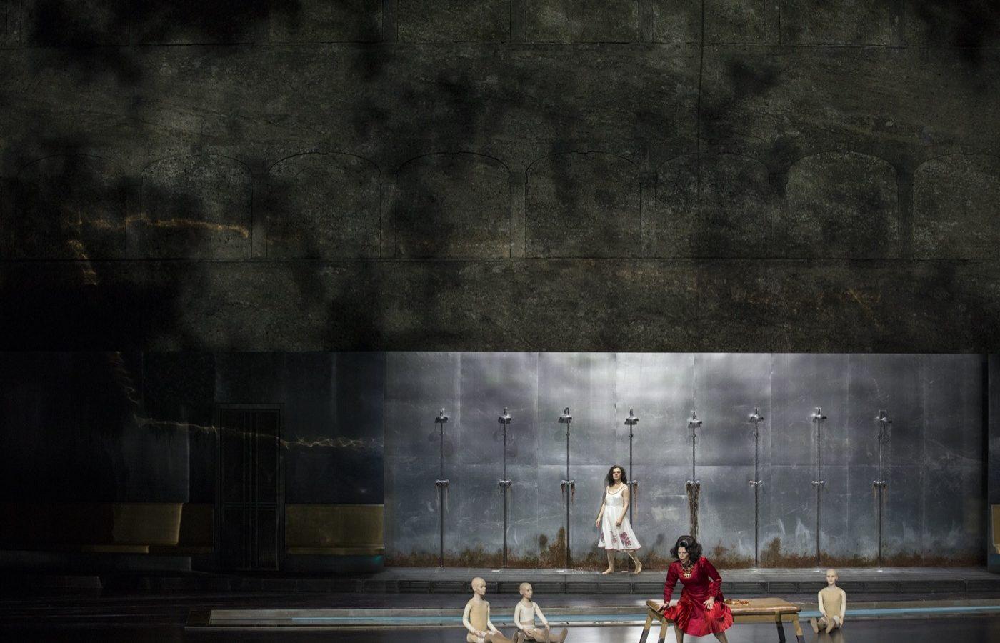 Szczesniak-Warlikowski-Elektra-Uhlig-Salzburger-Festspiele-2020-00143