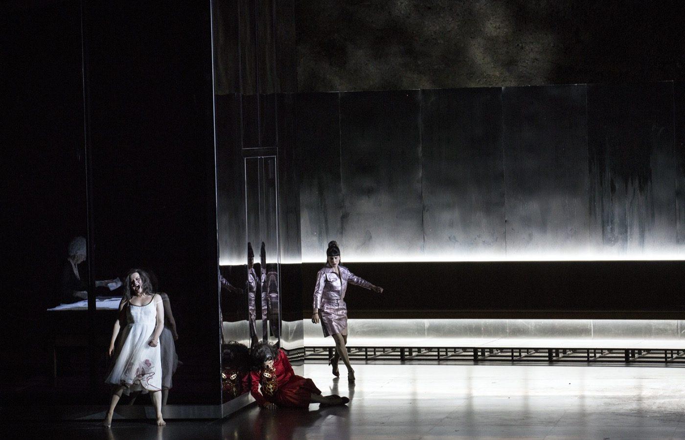 Szczesniak-Warlikowski-Elektra-Uhlig-Salzburger-Festspiele-2020-00144